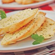Country Range Garlic & Parsley Bread Slices