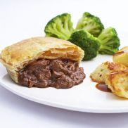 Country Range Unbaked Minced Beef & Onion Pie